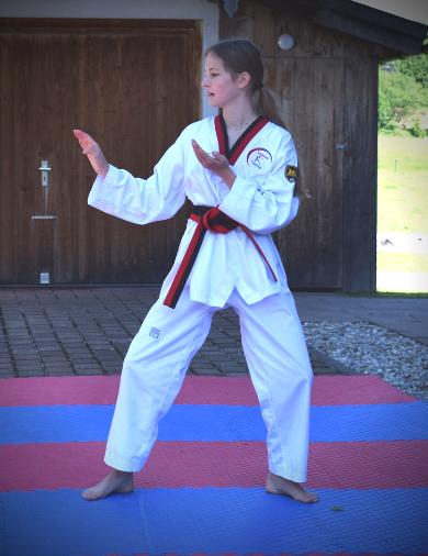 Lina Wahl, 2.Schwarzgurt Taekwondo Familie Tegernsee